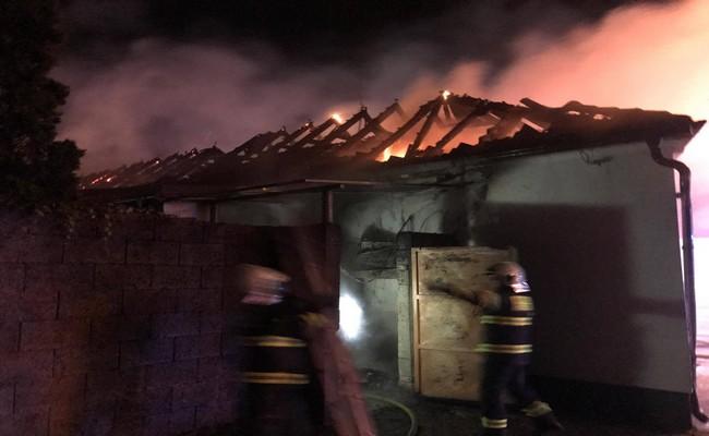 Požiar garáže autoservisu v k. o. Divín